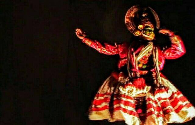 ケララ伝統舞踊 【インド】